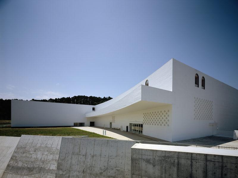 《青森県立美術館》外観