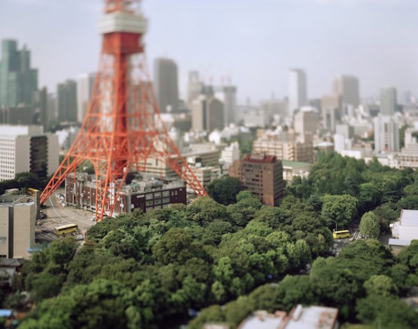 本城直季《東京タワー 東京 日本 2005》〈Small Planet〉より 2005年 発色現像方式印画