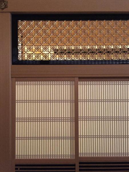 付書院の欄間は繊細な細工。