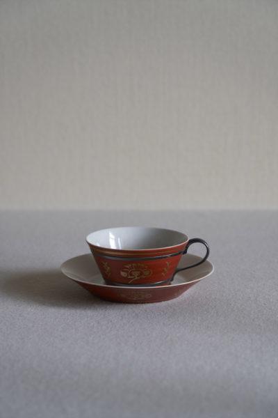 富本憲吉《赤地金彩梅模様碗、皿》
