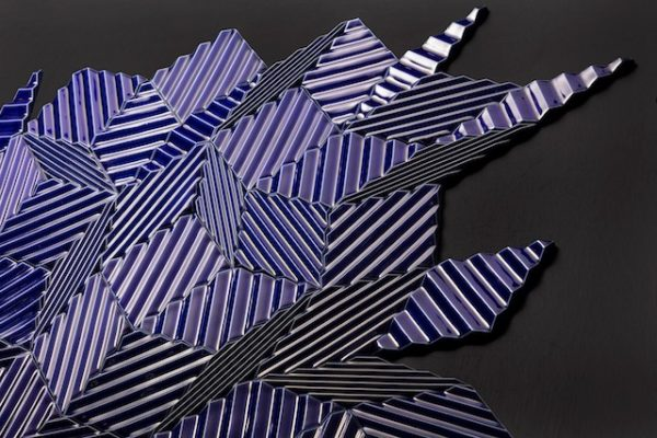 「DISCONNECT/CONNECT 【ASAO TOKOLO×NOIZ】 幾何学紋様の律動、タイリングの宇宙」